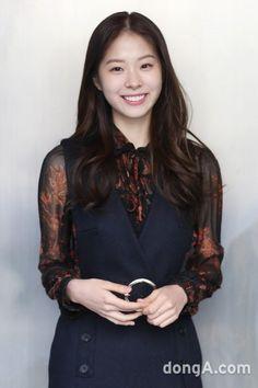 Seo Eun-su (서은수) - Picture Korean Beauty, Asian Beauty, Golden Life, Korean Actresses, Casual Outfits, Drama, Celebrity, Entertainment, Cute