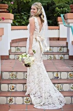 White/Ivory Lace Wedding Dress