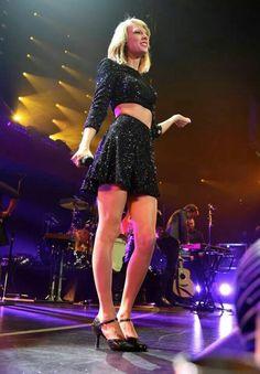 Taylor performing at the 2014 Jingle Ball!