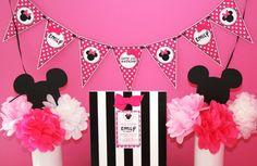 Minnie Mouse Party Idea - like the flowers arrangements on each end.