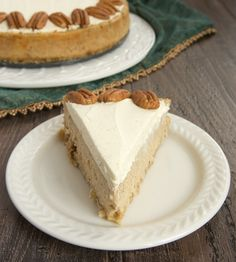 Spiced Cheesecake with Oatmeal Cookie Crust is as delicious as it is beautiful! One of my favorites! - Bake or Break