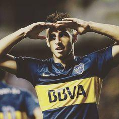 JONATHAN CALLERI é un futbolista arxentino, debutou na 1ª División Arxentina en 2013 cos All Boys, En 2014 o Club Atlético Boca Juniors o traspasao, na xeneize permaneceu un ano e medio e puido obter o Campionato 1ª División Copa Arxentina 2015 e a Copa Arxntina 2014/15. Agora está no Sao Paulo para xogar a Copa Libertadores por 6 meses e logo márchase a Italia.