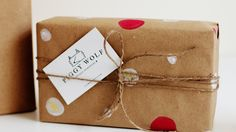 DIY Wrapping Paper and gift wrapping. Christmas special tutorial