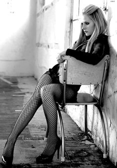 #2 Avril Lavigne #RiskyCeleb