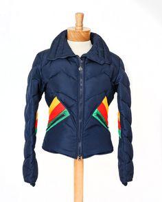 interesting style lines on this vintage ski jacket