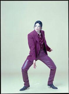 New rare Michael Jackson blood on the dance floor.  From Michael Jackson Twitter❤️
