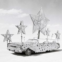 15 Pictures That Prove Burning Man Is Another World – Bernd Wenske Burning Man 2014, Burning Man Art, Love Stars, Stars And Moon, Black Rock Desert, Art Festival, Festival Style, Star Art, Jolie Photo