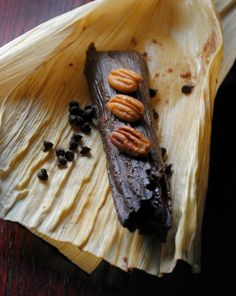 --I love tamales but this is the first chocolate! Chocolate Tamales ~ A chocolate based masa with a hint of chile and lightly sweetened with piloncillo. Filled with pecans and chocolate chips Mexican Dinner Recipes, Mexican Cooking, Mexican Dishes, Mexican Desserts, Filipino Desserts, Cuban Recipes, Asian Desserts, Health Desserts, Delicious Desserts