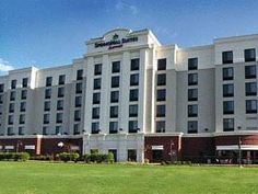 Virginia Beach (VA) Springhill Suites By Marriott Norfolk/Virginia Beach Hotel United States, North America Located in Easton Forest, Springhill Suites By Marriott Norfolk/Virginia Bea is a perfect starting point from which to explore Virginia Beach (VA). Both business travelers and tourists can enjoy the hotel's facilities and services. Service-minded staff will welcome and guide you at the Springhill Suites By Marriott Norfolk/Virginia Bea. Daily newspaper, bathtub, mini bar...