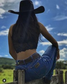 Cowgirl Style Outfits, Country Style Outfits, Rodeo Outfits, Hippie Outfits, Western Outfits, Foto Cowgirl, Estilo Cowgirl, Sexy Cowgirl, Cute Country Girl