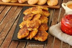 Baked Potato and Sweet Potato Latkes - It's truly remarkable that you can make something so tasty without any flour or eggs, only vegetables. Sweet Potato Latkes, Baked Potato, Sour Cream Dip, Potato Mashers, How To Double A Recipe, Fritters, Tray Bakes, Tandoori Chicken, Potatoes
