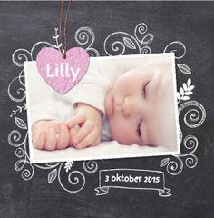 Trendy foto meisjes geboortekaartje op krijtbord. Gebruik deze kaart en maak hiervan zelf je eigen persoonlijke geboortekaartje. Wil je de kaart door ons laten opmaken? Geen probleem, wij helpen je graag!