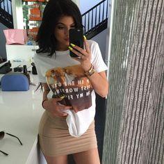 Kylie Jenner wearing Christian Louboutin Bibi Platform Pumps and Kardashian Kollection Lavender Mesh Insert Bodycon Mini. Kylie Jenner Casual, Kylie Jenner Fotos, Trajes Kylie Jenner, Looks Kylie Jenner, Kylie Jenner Outfits, Kendall And Kylie Jenner, Kris Jenner, Kardashian Style, Kardashian Jenner