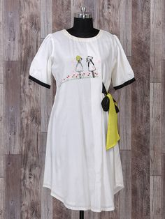 Beautiful Silk Tunic /Kurti with superb detailing. Short Kurti Designs, New Kurti Designs, Kurta Designs Women, Blouse Designs, Embroidery On Kurtis, Kurti Embroidery Design, Embroidery Fashion, Embroidery Boutique, Hand Embroidery