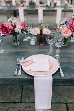 Pink tablescape & floral design | Image by Emily Delamater