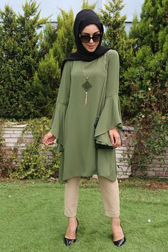 Islamic Fashion, Muslim Fashion, Modest Fashion, Fashion Outfits, Hijab Casual, Estilo Abaya, Modele Hijab, Hijab Trends, Sleeves Designs For Dresses