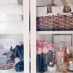 Shelf bath / bedroom