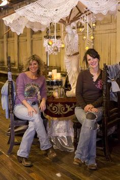 amie & Jolie sikes, the junk gypsies, with the 'junk pile' table centerpieces for the junk-o-Rama prom episode {junk gypsy co}