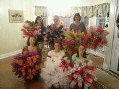 Twirly mesh wreaths craft night