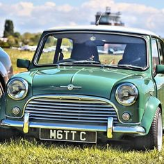 Happy Birthday to this little beastie. Mini Cooper Classic, Mini Cooper S, Classic Mini, Austin Mini, Mini Morris, Happy 25th Birthday, Mini Car, Cabriolet, Mini Things