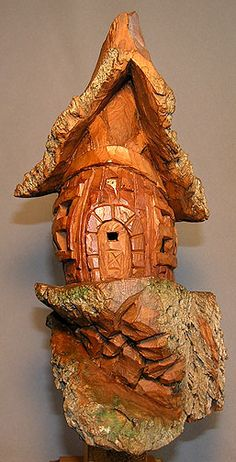 Wood Sculpture, Sculptures, Dremel Wood Carving, Wood Bark, Reclaimed Wood Projects, Clay Houses, Tree Carving, Gnome House, Wood Creations