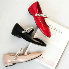 (46.92$)  Watch here - http://ai2cv.worlditems.win/all/product.php?id=32803795724 - 2017 Fashion Women Red Pumps Low Heel Crystal Bling Rhinestone Round Toe Sweet Pumps Solid Mary Janes Runway Causal Work Shoes