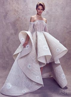 THE GIRL ON THE MOON. FW18 Couture Collection by Ashi Studio. #AshiStudio #FW18 #CoutureCollection #CollectionReveal #5thOfJuly #PFW #PFW18 #ParisFashionWeek #TheGirlOnTheMoon