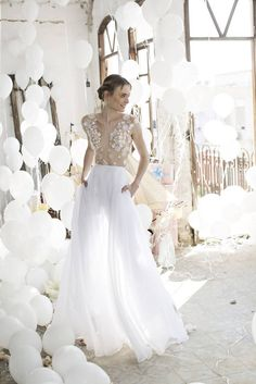 Noya Bridal is Riki Dalal's imagination come to life in the form of a ready-to-wear bridal gown collection at a lesser price. Noya's second collection, Aria, is sure to spoil you brides-to-be with many of Dalal's signature designs that convey a playful and romantic feel.