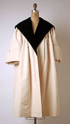 """""""Luxembourg"""" House of Dior (French, founded 1947) Designer: Christian Dior (French, Granville 1905–1957 Montecatini) Date: spring/summer 1954 Culture: French Medium: silk"""