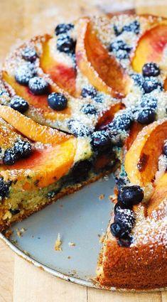 Blueberry Cake, Blueberry Recipes, Peach Cake Recipes, Food Cakes, Cupcake Cakes, Cupcakes, Greek Yogurt Cake, Greek Cake, Peach Yogurt Cake