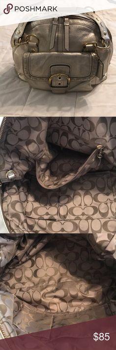 Coach Platinum leather bag, excellent condition ! Beautiful Platinum coach bag ! Excellent condition 😍 Coach Bags