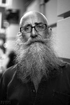 Las Barbas al palo-- 100 beards, 100 days...*****   47. Roy: Cecil Court, London