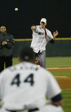 Seahawks QB Matt Hasselbeck throws out the first pitch at the M's 2006 home opener.