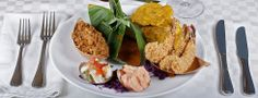 Gastronómica - Cartagena de Indias - Colombia - Sitio Oficial Caribbean Beach Resort, Colombian Food, City Restaurants, Fish Recipes, Columbia, Shrimp, Salad, Dishes, Kitchen