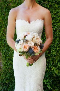 Olva (403172) Wedding Dress $670,bouquet
