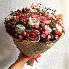г. Киев, Оригинальные букеты (@lscompany.kiev) | Instagram photos and videos Man Bouquet, Food Bouquet, Gift Bouquet, Vegetable Bouquet, Edible Bouquets, Gourmet Breakfast, Candy Crafts, Food Garnishes, Edible Arrangements