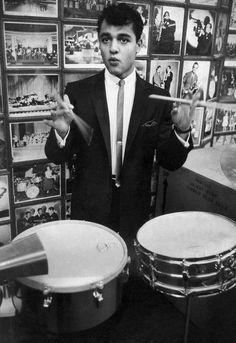 Salvatore 'Sal' Mineo, Jr. (January 10, 1939 – February 12, 1976) who played Gene Kruper, the famous dummer!
