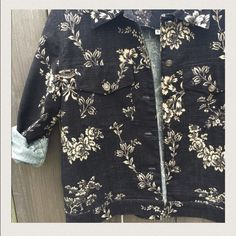 "Vintage floral jacket Black true vintage jacket, floral wallpaper like print with bows and other details :) tags says ""S"" however it runs a little bigger than that, slightly boxy like a denim jacket. Could probably fit a medium! no trades make an offer!✅ oh & follow me on Instagram @BeThriftyChic  Vintage Jackets & Coats Jean Jackets"