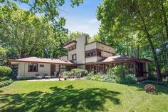 Frank Lloyd Wright homes for sale around Chicago - Curbed Chicagoclockmenumore-arrow : If you're looking for a house designed by Frank Lloyd Wright, you have some options