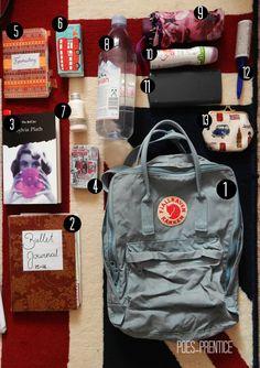 """poes-prentice: """"Dies ist mein allererstes"""" What's in my school bag """"-Posting u. poes-prentice: """"Dies ist mein allererstes"""" What's in my school bag """"-Posting und … School Bag Essentials, Purse Essentials, College Backpack Essentials, Mochila Kanken, School Bag Organization, Backpack Organization, What's In My Backpack, Kanken Backpack, Travel Backpack"""