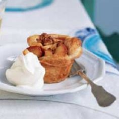 Need a dessert in a hurry? Try these quick apple and and walnut tarts!