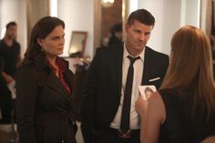 """Brennan (Emily Deschanel) and Booth (David Boreanaz) from the """"The Don't in the Do"""" episode of BONES."""