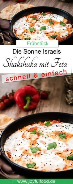 Shakshuka. Das Nationalgericht Israels. Sonnengereifte Tomaten, Paprika, Feta und pochiertes Ei. Ein schnelles Gericht und einfaches Rezept. #Shakshuka #schnell #einfach #Rezept #Frühstück #Brunch #israelisch #Tomaten #Paprika #Chili #Ei