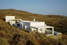 House in Folegandros Cycladic architecture www.abstrakt-architecture.com Stéphane ghestem #folegandros2015 #kyklades #greeckarchitecture #greecelovers #cycladesarchitecture #dwell #architectes #architecte #archidesign #arch #architecture #homedecor #home #house #housedesign #decor #greecarchitecture #greecvillas