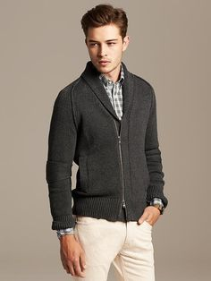 5 Normcore Fall Fashion Essentials Inspired by Channing Tatum image Banana Republic Zip Cardigan Source by toniafetter fashion cozy Country Fall Fashion, Bohemian Fall Fashion, Fall Fashion Boots, Autumn Fashion Curvy, Autumn Fashion Classy, Autumn Fashion 2018, Blue Suit Men, Gentlemen Wear, The Fashionisto