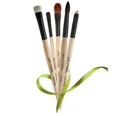 Jane Iredale Makeup Brushes http://etiketcremesdeluxe.tumblr.com/post/16979217396/jane-iredale-how-to-clean-your-makeup-brushes