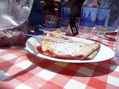 Lunch at the farmers market in Helsinki: raspberry crepe!
