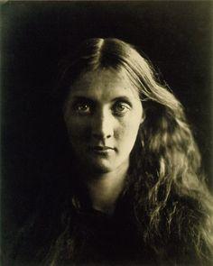 Julia Margaret Cameron - 1815-1879 - Artiste photographe britannique - Portraitiste des célébrités de son temps.