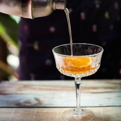 Thursday cocktail loading! This one's easy and perfect for quick after work drink. Festive Cocktails, Refreshing Cocktails, Peppermint Crisp, Malva Pudding, Milk Tart, After Work Drinks, Christmas Lunch, Daiquiri, Coconut Cream