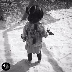Uma princesa cheia de atitude e alegria passando no seu feed neste domingo de lazer! 👸🏻 Alice usa jaqueta Girl Power 468kids. #468kids #use468 #brasil #sundayfunday #fashionkids #love #brasil